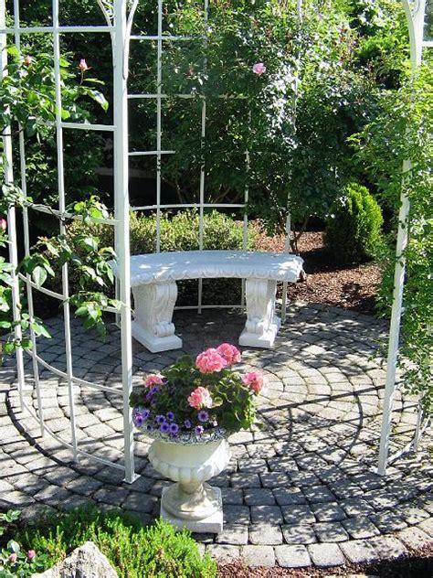 Steinbank Garten