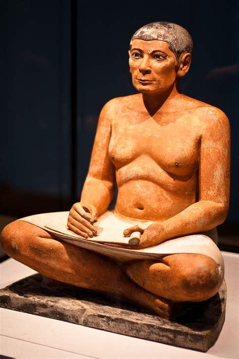 seated scribe louvre el escriba louvre vivo reflejo egipto de la