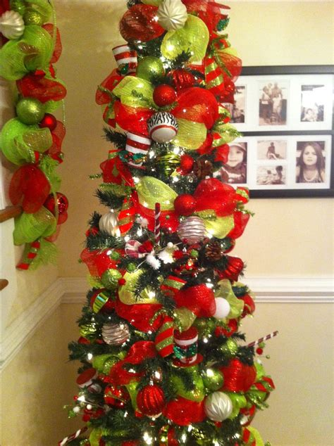 deco mesh garland on a tree merry bright pinterest