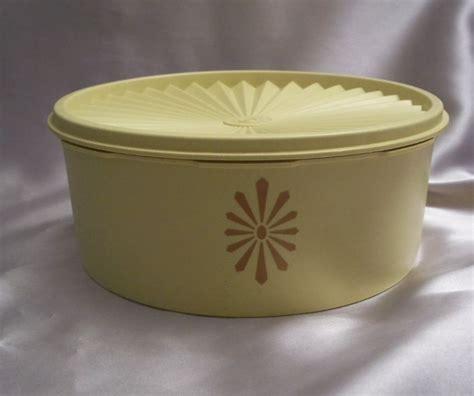 Tupperware Canister Gold vintage harvest gold servalier canister from
