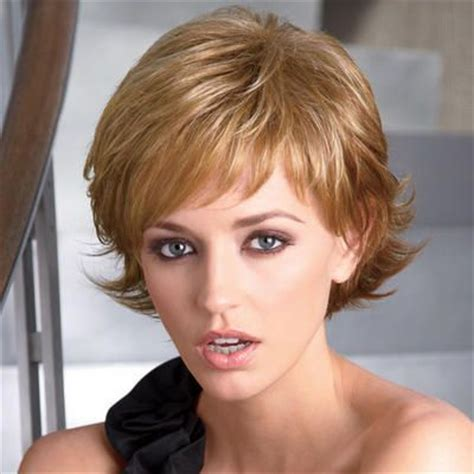 flipped up hair cut wavy layers short wavy and wigs on pinterest