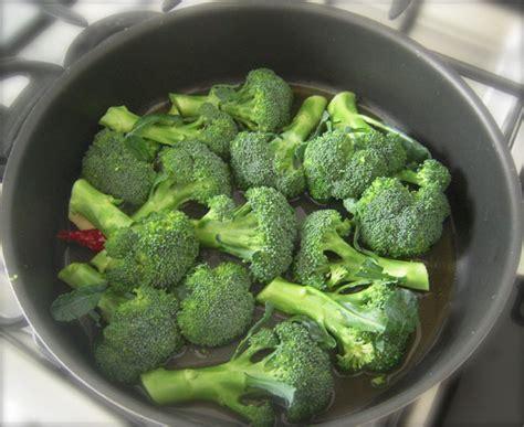 cucinare broccolo broccoli affogati ricette di cucina il cuore in pentola