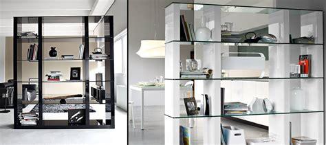 immagini librerie d arredamento librerie bifacciali per separare ambienti cose di casa