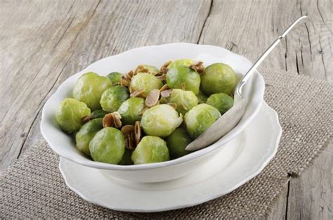 vitamin k vegetables warfarin how green leafy vegetables affect coumadin livestrong