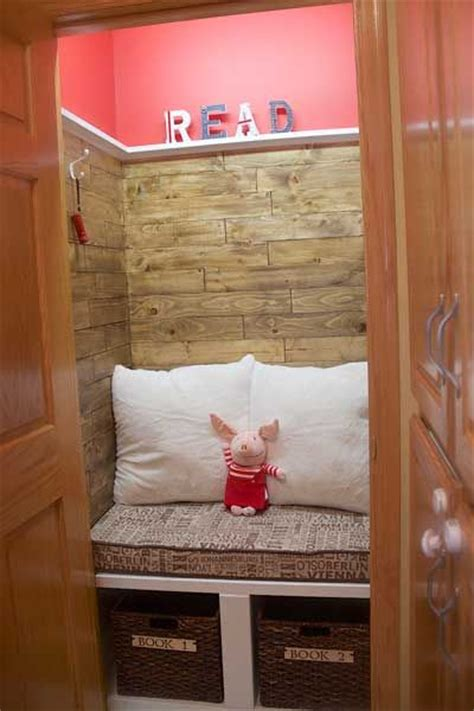 Turn Closet Into Reading Nook by 17 Best Ideas About Closet Reading Nooks On