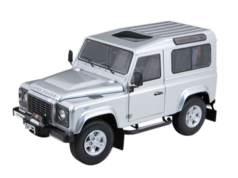 Land Rover Defender 90 Car Model In Scale 1 18 White Two Spare Tire 2 kyosho 1 18 land rover defender diecast model car 08901is