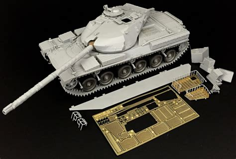 135 Battle Tank Chieftain Mk10 the modelling news clayton builds takom s 1 35 chieftain