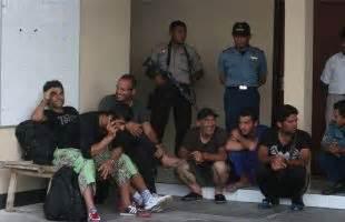 Hukum Keimigrasian Bagi Orang Asing Di Indonesia rumah detensi imigrasi bahasa indonesia