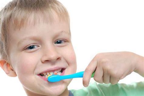 Exercising Teeth The Way by Habits That Kindergarten Children Should