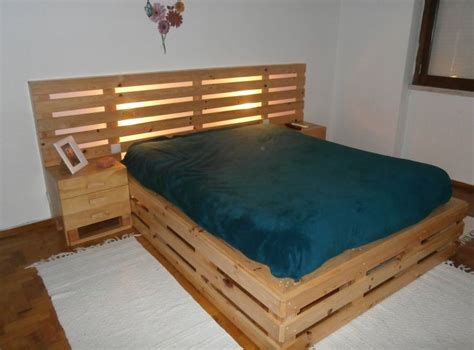 How To Put Together A Wooden Futon by 17 Best Ideas About Wooden Pallet Beds On