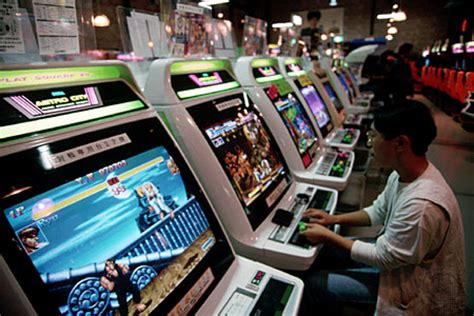 Electronic game   Britannica.com