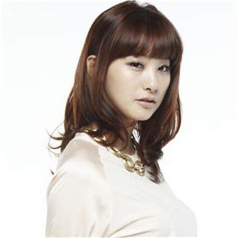 fashion model rambut wanita gaya korea terbaru fashion model rambut wanita gaya korea terbaru