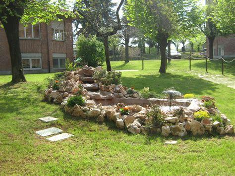da giardino giardino pietre piccole fontane da giardino fontane da