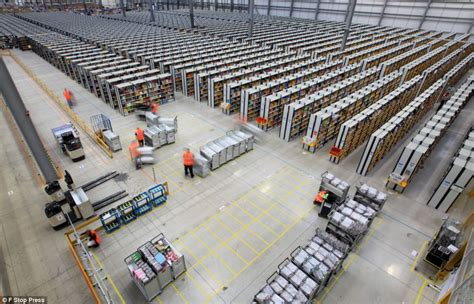 amazon warehouse black friday amazon staff work round the clock to package