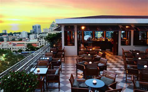roof top bars saigon saigon bar rooftop bar at the caravelle saigon hotel asia bars restaurants