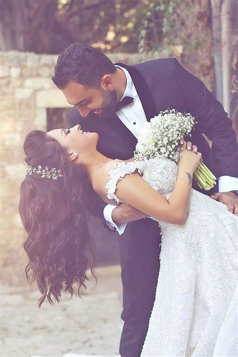 25  best ideas about Wedding kiss on Pinterest   Romantic