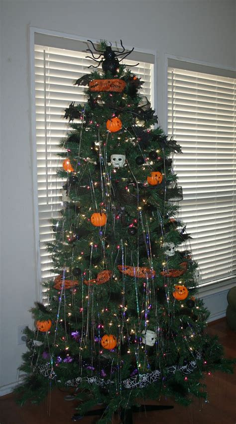 spooky vegan  days  creepmas halloween christmas tree inspiration