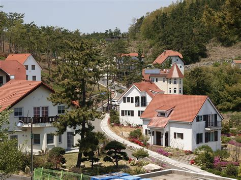 german village file german village in south korea 03 jpg wikimedia commons