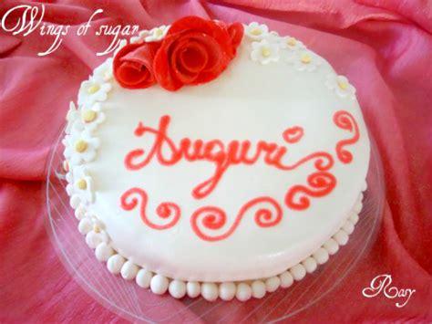 torte decorate con fiori di pasta di zucchero torta in pasta di zucchero con fiori e