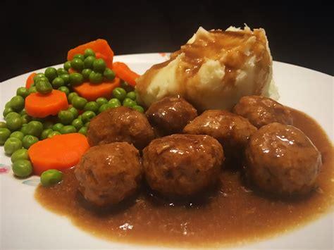 easy meatballs gravy