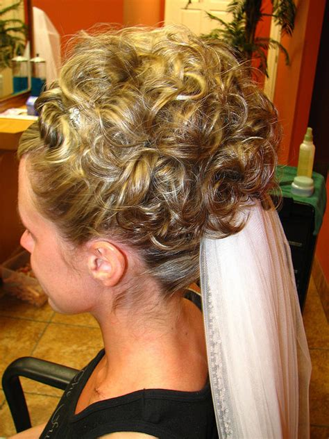 Backyard Wedding Hairstyles Wedding Hairstyles From Beautiful Brides