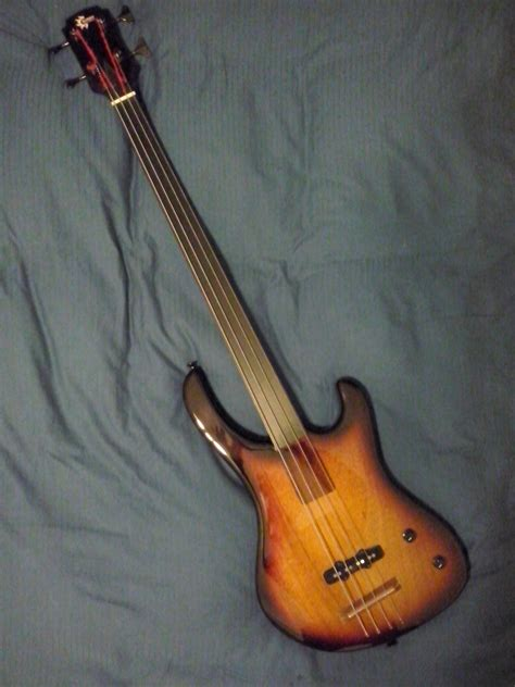 Handcrafted Musical Instruments - fretless bonzomusic handmade musical instruments