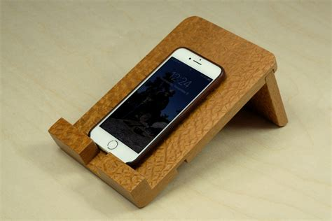 wood craft projects for beginners how to make an iphone tablet or smartphone stand