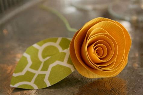 How To Make Rolled Paper Flowers - how to make paper allfreepapercrafts