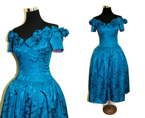 The 80s Is Back In Dress Form by Vintage 1980s Prom Dress 80s Homecoming By Alleykatzboutique