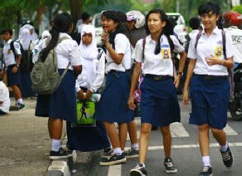 Baju Sekolah Anak Sd kawanua post di smpn 2 bitung orangtua disarankan beli kain seragam