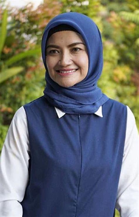 tina talisa hijab tina talisa sudah lama ingin pakai hijab sai 2 kali