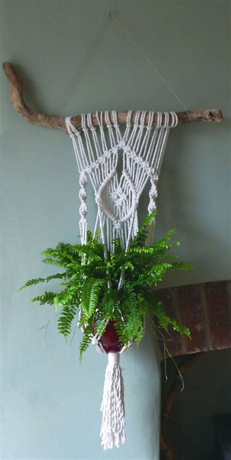 How Do You Make A Macrame Plant Hanger - 25 best ideas about macrame plant hangers on