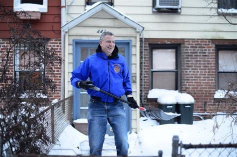 de blasio housing plan bill de blasio says he won t shovel snow at gracie mansion observer
