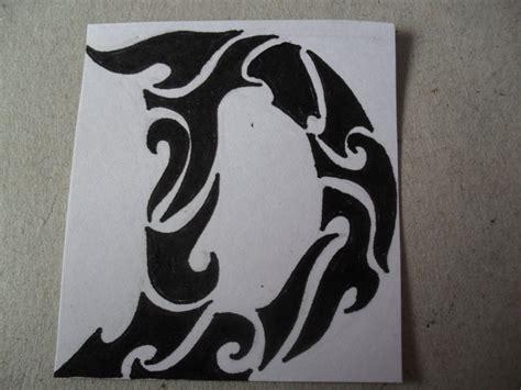 lettere tribali design letters d danielhuscroft