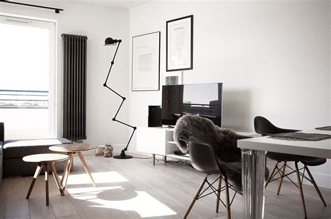 scandinavian home decor mixed with a minimalist use of