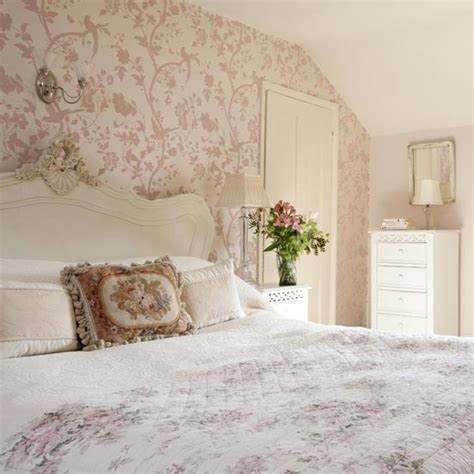 floral bedroom ideas rustic floral bedroom country bedrooms 10 of the best