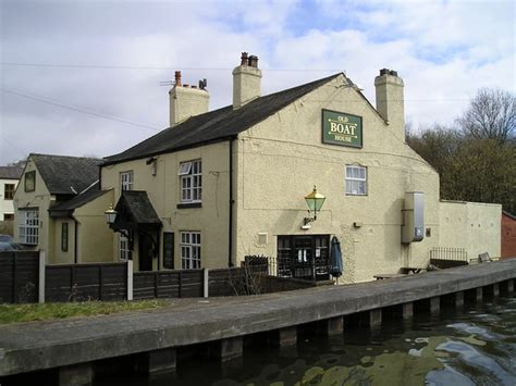 boat house pub the old boat house pub astley 169 canalandriversidepubs co uk cc by sa 2 0 geograph