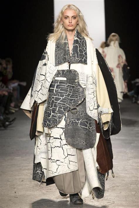 funny weird fashion show outfits reckon talk