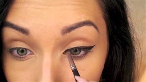 perfect winged eyeliner tutorial youtube perfect winged eyeliner tutorial cat eye liner youtube