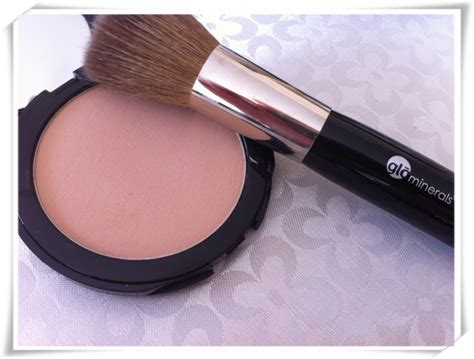 Pressed Mineral Foundation G 60 day makeup may 2012