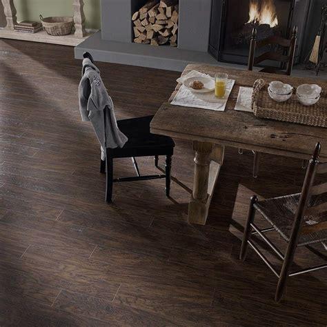 10 Flooring In - pergo java scraped oak 10mm laminate flooring with free pad