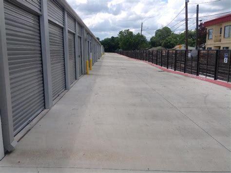 Storage Units In San Marcos Tx by Storage In San Marcos 1615 N Ih 35 Rent Storage