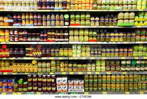 supermarkt regale grocery store shelves canned food stock photos grocery