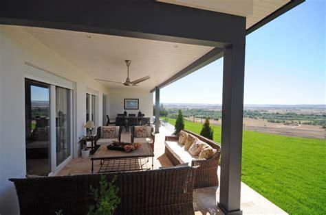 porche entrada vivienda porche deck o sunroom la transici 243 n con el exterior