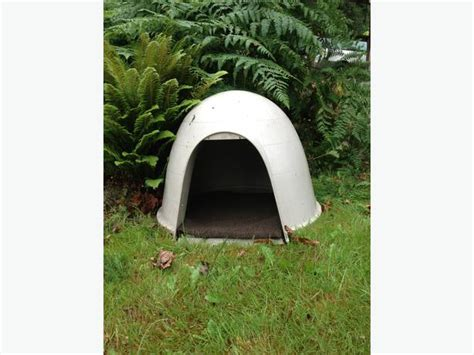 used igloo dog house for sale dogloo nanoose bay nanaimo