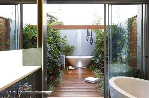 wild bathrooms 35 ideas of outdoor bathrooms that go into the wild part 1