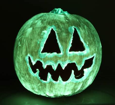 glow in the paint on pumpkins glow in the pumpkins ideas to make your pumpkin
