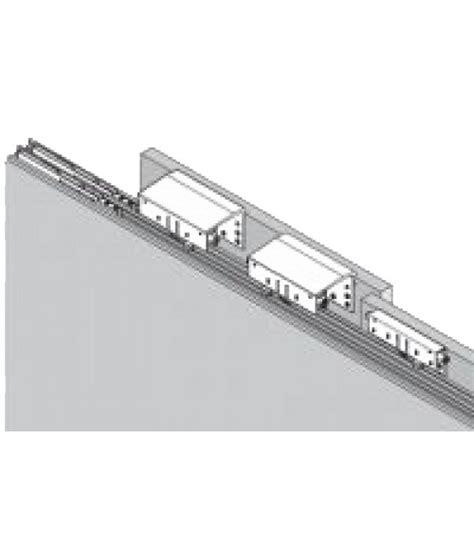sistemi scorrevoli per armadi kit 2 carrelli per armadio con anta scorrevole esterna