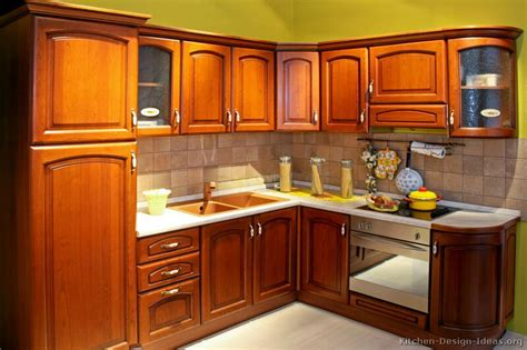 pictures  kitchens traditional medium wood cabinets golden brown