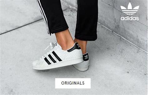 Zalora Sepatu Nike Terbaru miliki salah satu dari 3 model sepatu adidas terbaru